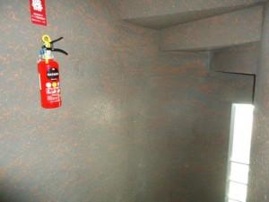 階段室壁-塗装前